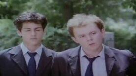 Liceeni film romanesc comedie romantica online (1987)