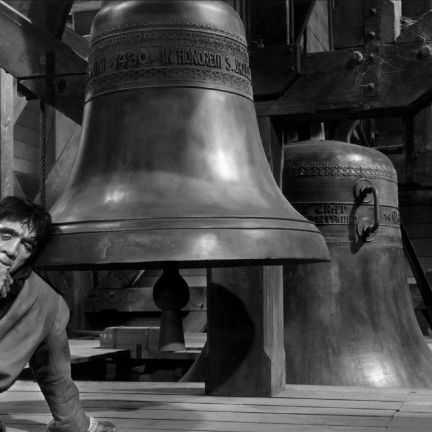 Cocoșatul de la Notre Dame film drama online (1956) latimp.eu